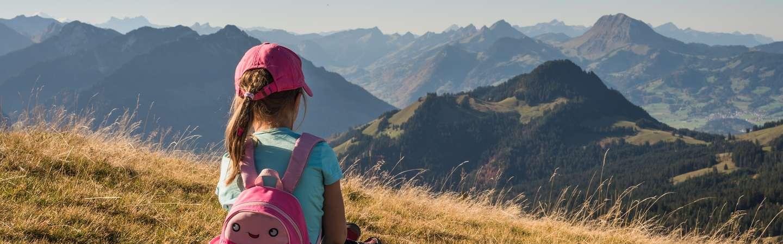 Reiseart Familienurlaub Mädchen Berge